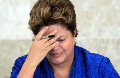 Dilma-mão-na-cabeça1-400x260