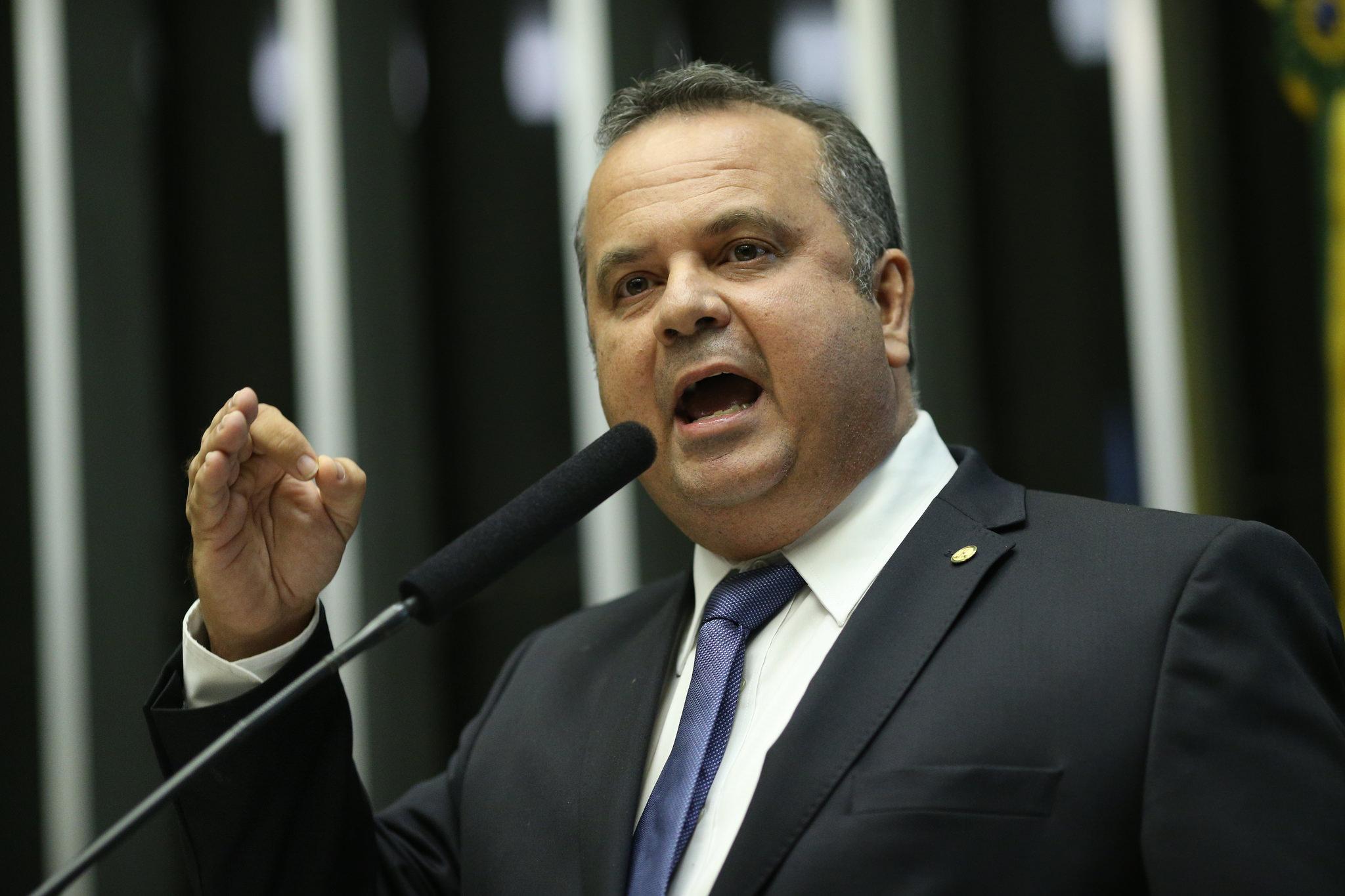 Rogério em discurso no plenário