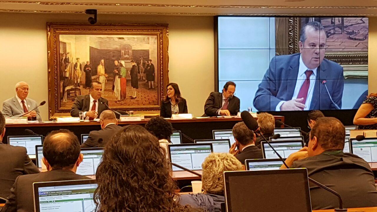 Rogério na Comissão de modernização das leis trabalhistas (2)