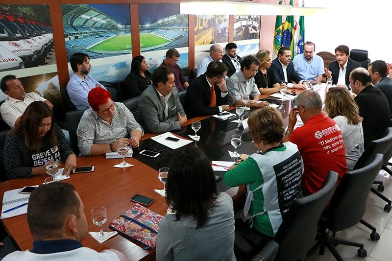 Reunião Fórum Servidores_Demis Roussos (2)