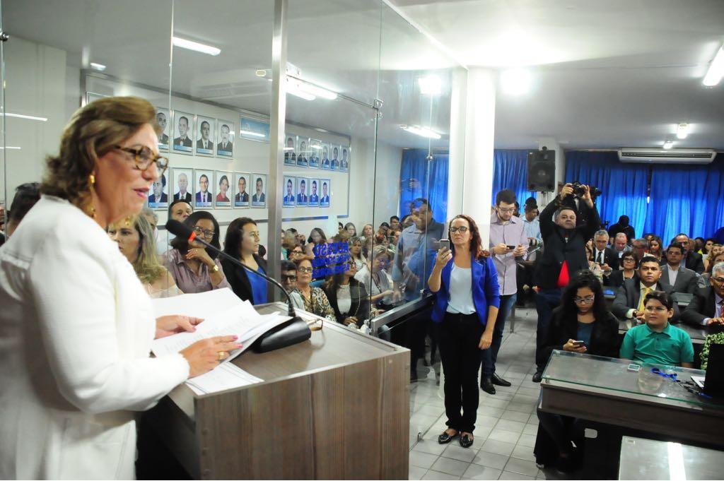 """Rosalba demonstra intolerância com oposição """"light"""""""