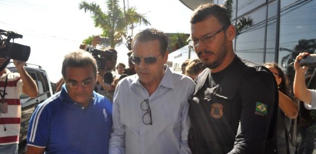o-ex-ministro-henrique-eduardo-alves-foi-preso-nesta-terca-feira-6-pela-policia-federal-1496750750289_615x300